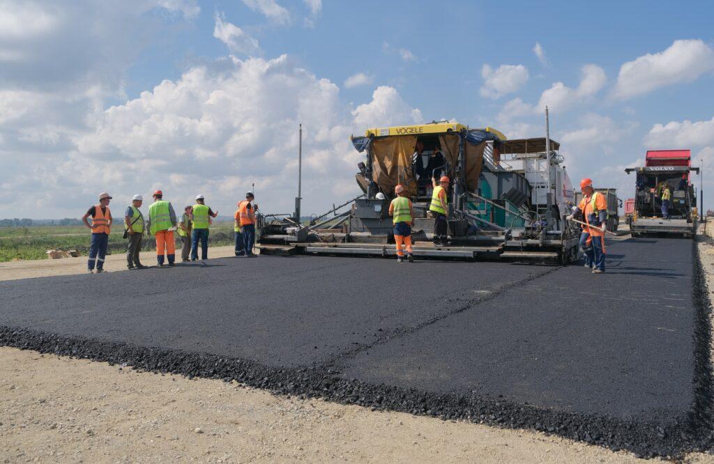 Строительство и ремонт дорожной сети