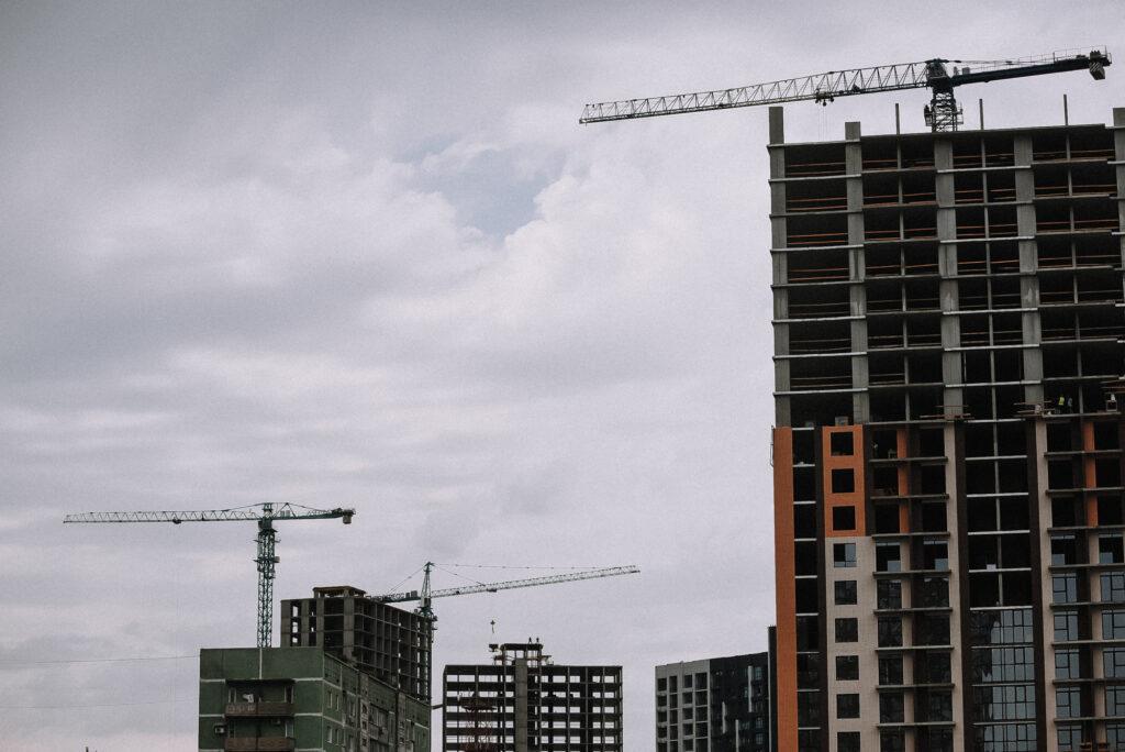 Какие требования к подрядчикам предъявляют застройщики?